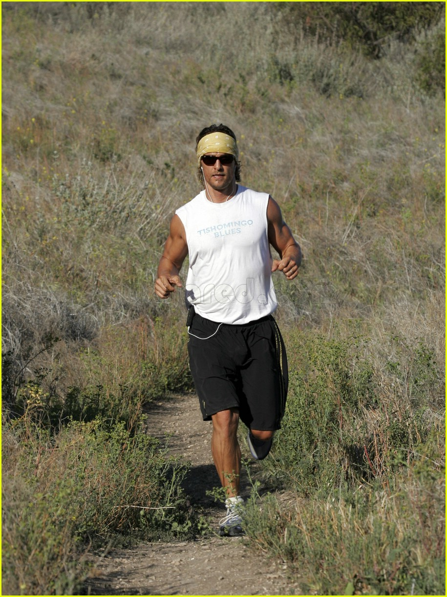matthew mcconaughey exercising 16107231