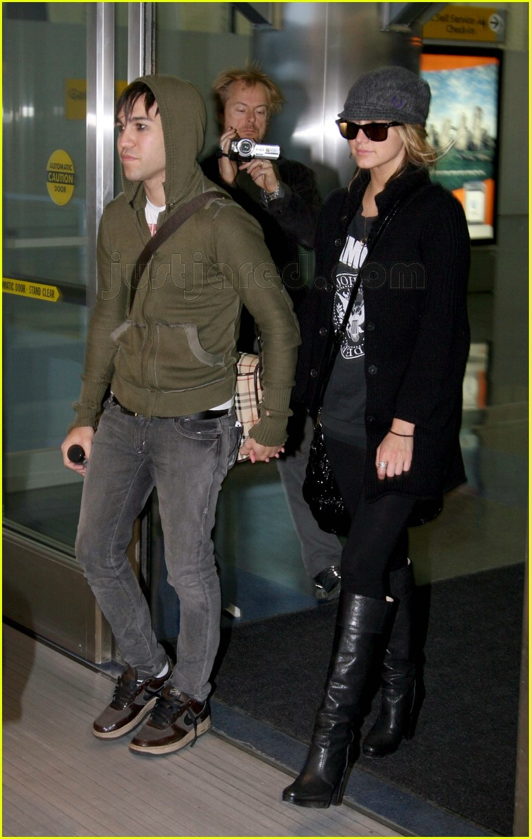 ashlee simpson pete wentz nyc103051