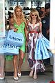 paris hilton nicole richie holding hands 02