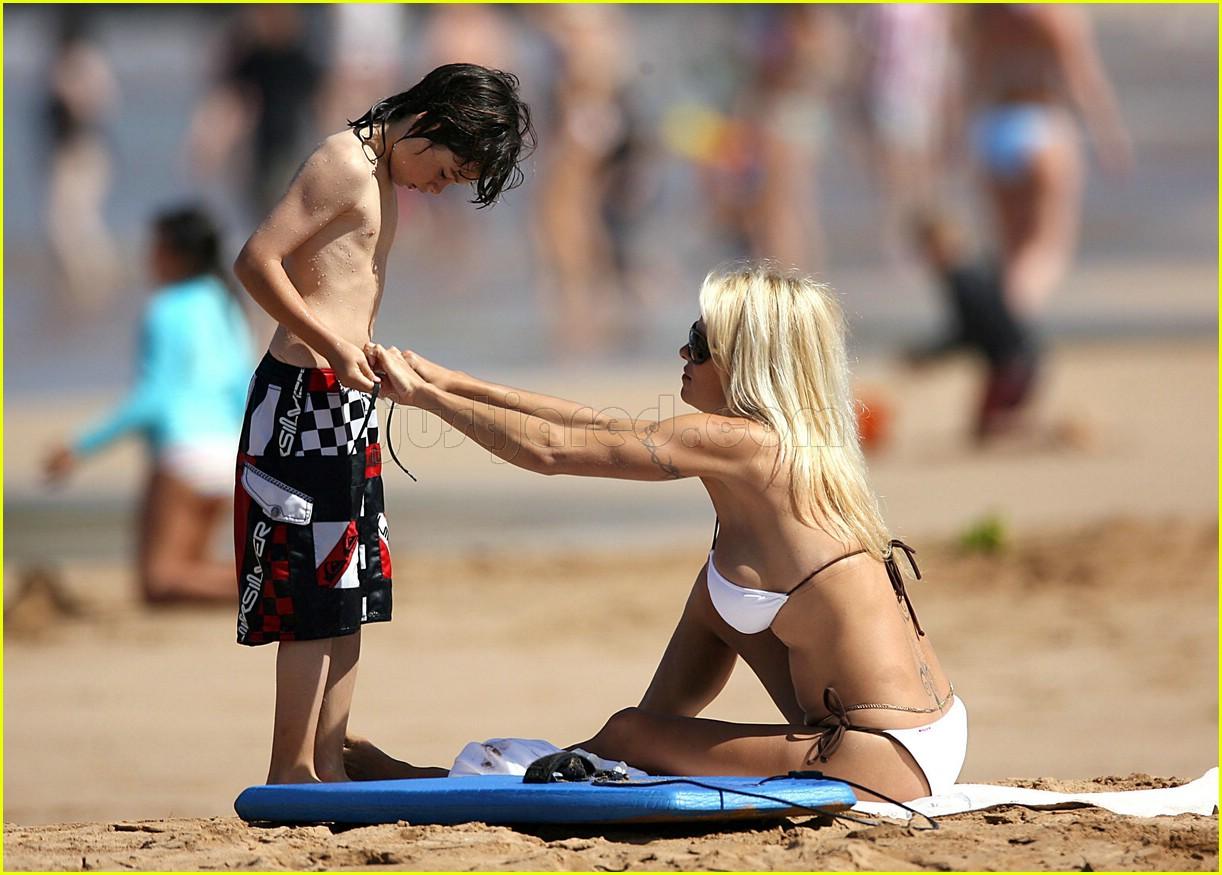 pamela anderson bikini tommy lee 0198861
