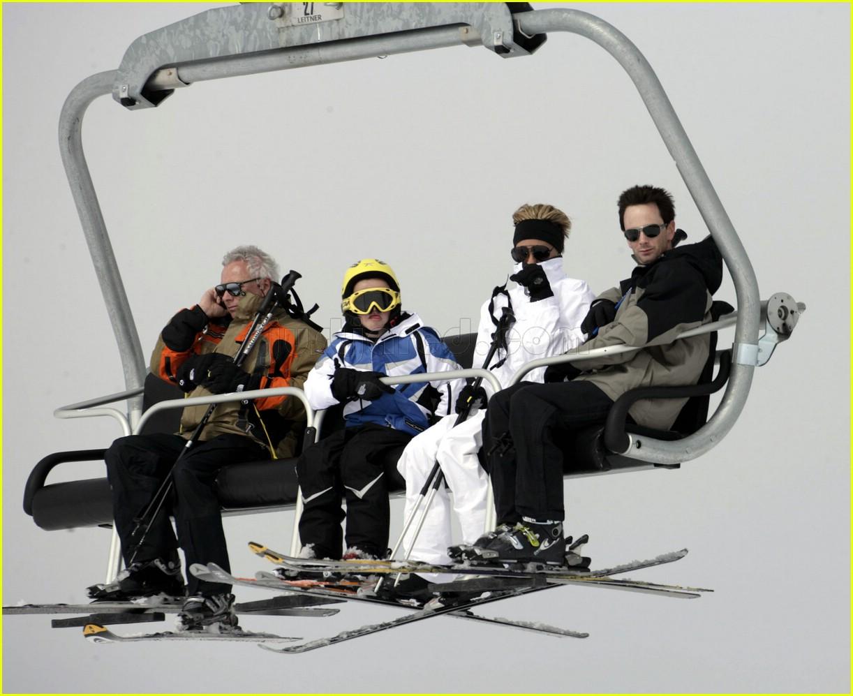 posh beckham skiing 02