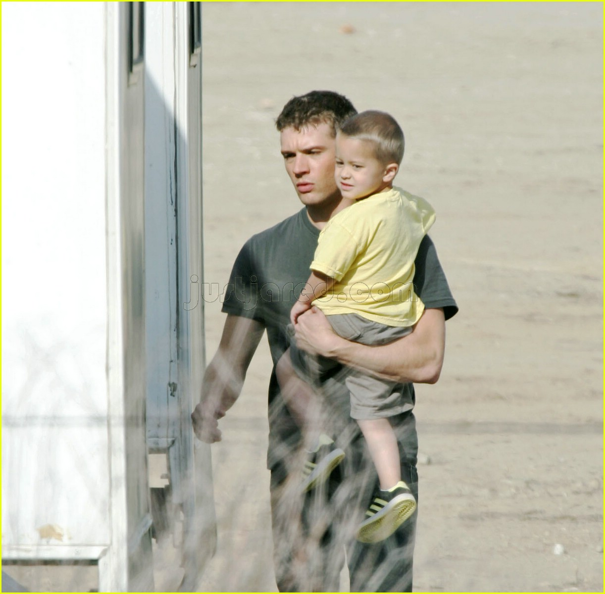 01 deacon phillippe ryan phillippe desert115201