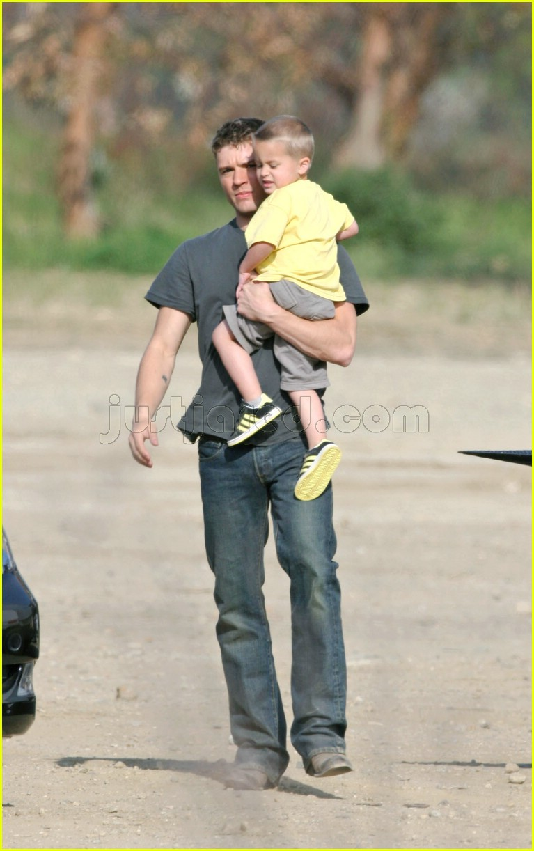 04 deacon phillippe ryan phillippe desert115231