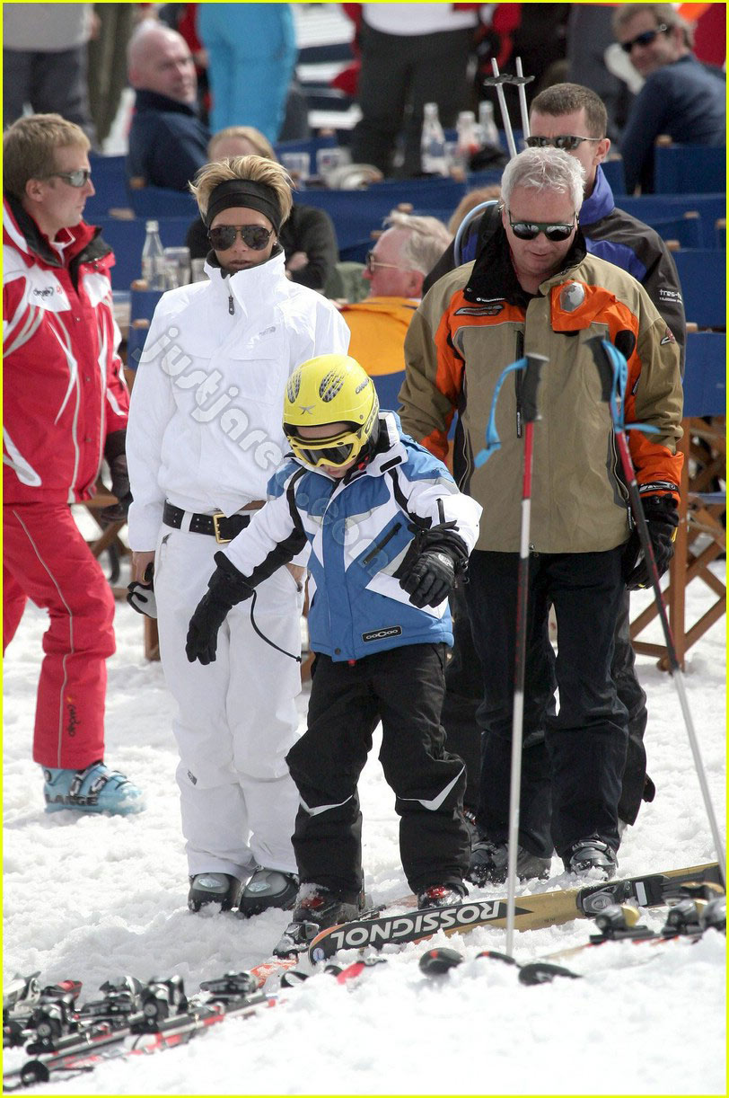 victoria beckham skiing 08