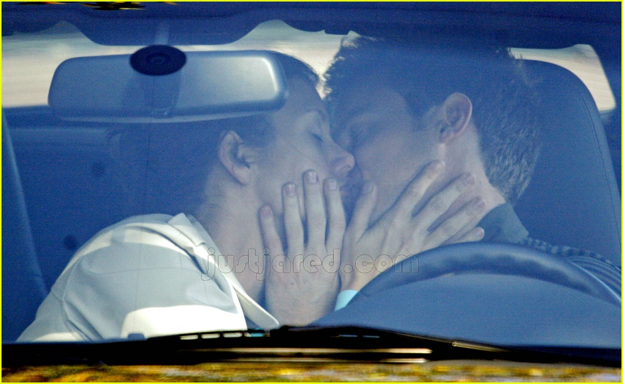 kate walsh new boyfriend 19123201