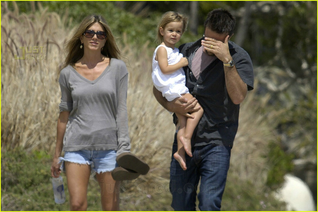 jennifer aniston memorial day 2007 06