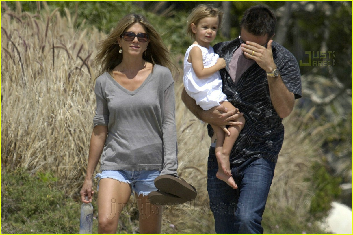 jennifer aniston memorial day 2007 16