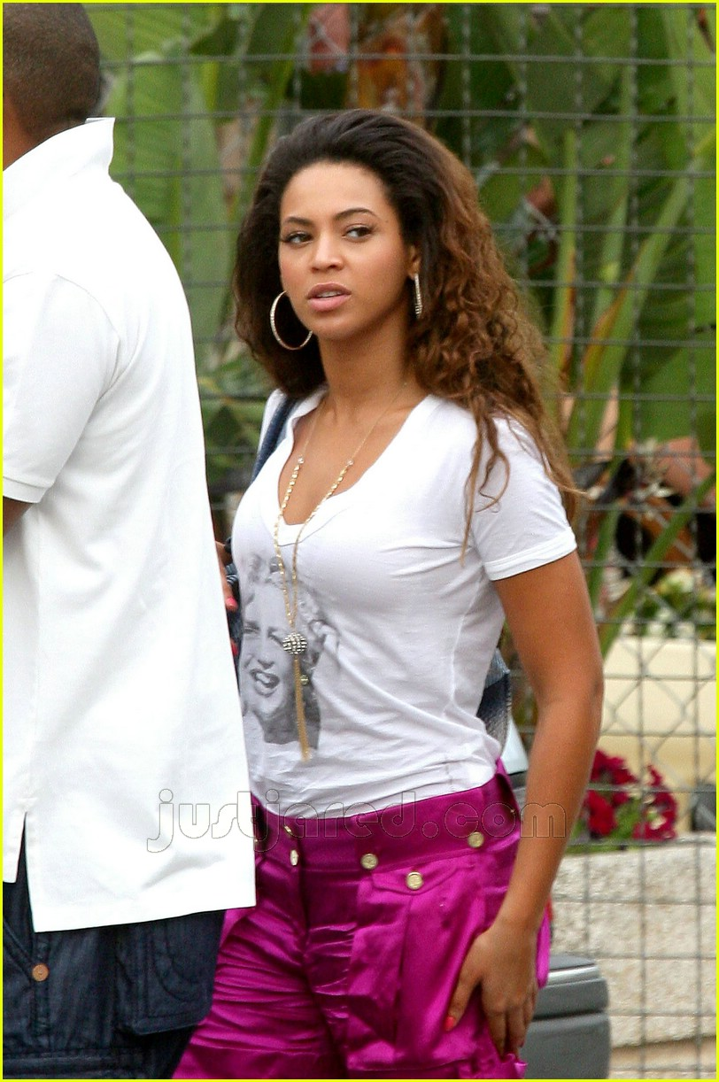 Beyonce Checks Up On It Photo 193201 Beyonce Knowles