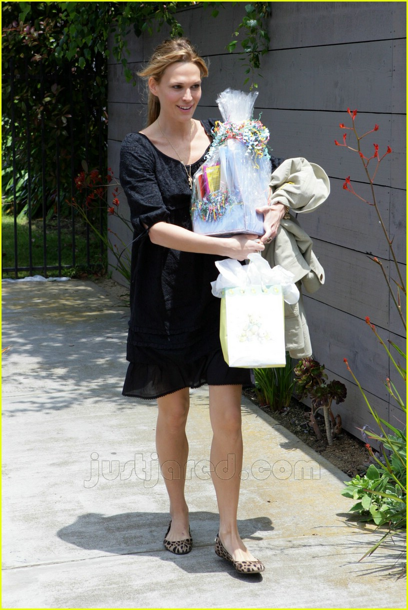 molly sims bridget moynahan baby shower 01