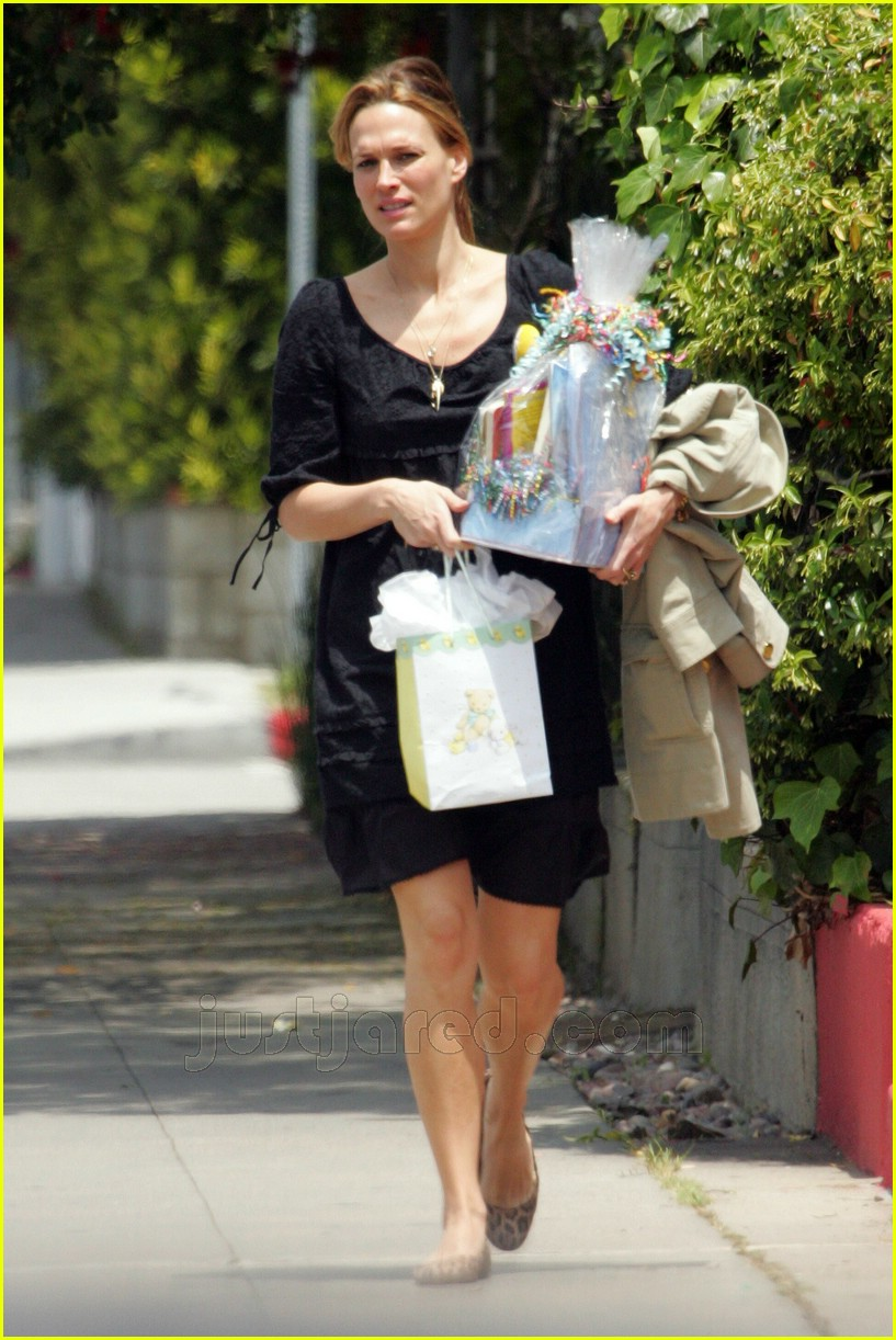 molly sims bridget moynahan baby shower 04