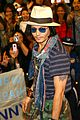johnny depp japan airport 06