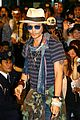 johnny depp japan airport 08