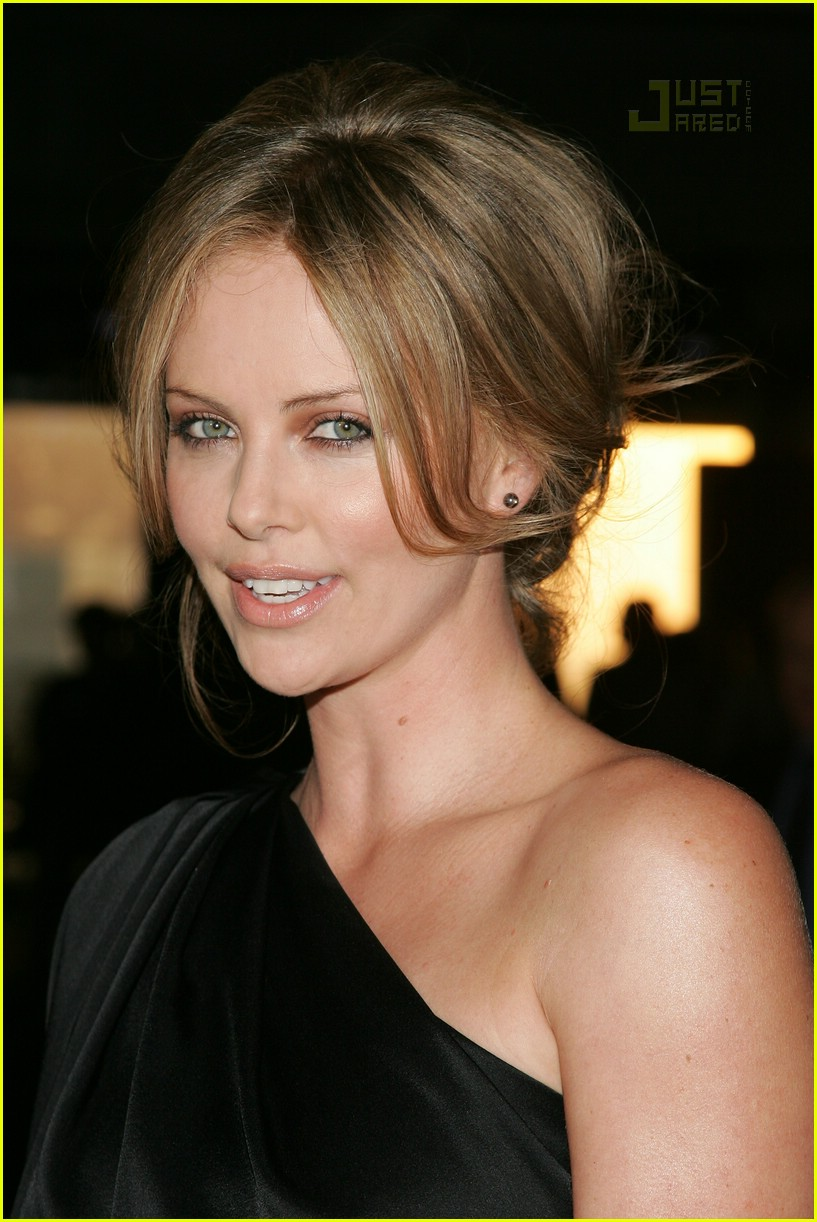 charlize theron christian dior cruise 2008 02