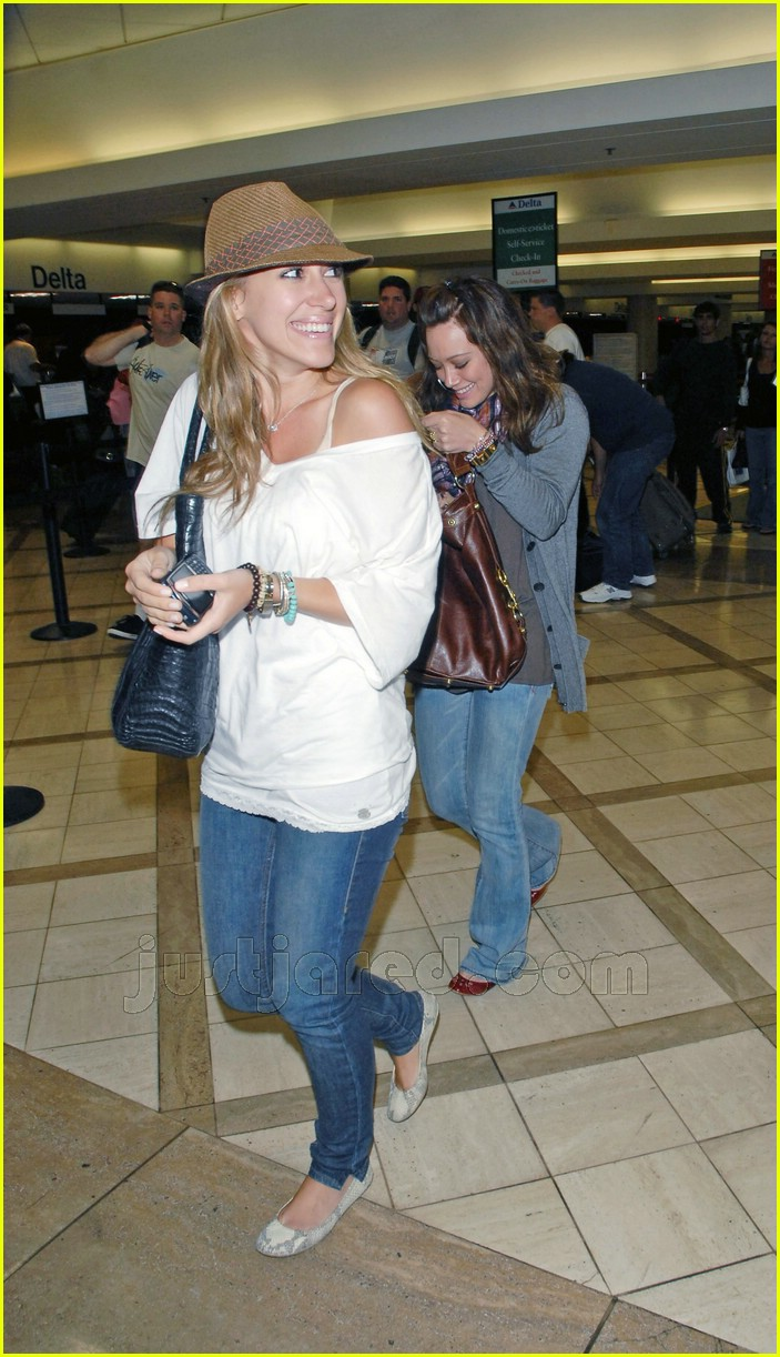 hilary haylie duff airport 16406681