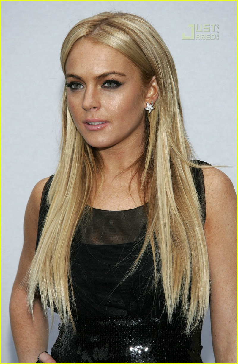 Lindsay Lohan Chanel Cruise Show 20078 Photo 174771 Karl
