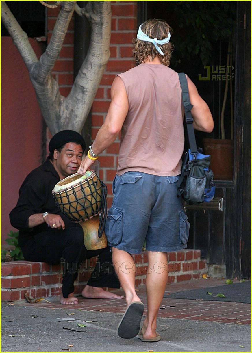 matthew mcconaughey bongos 03162041