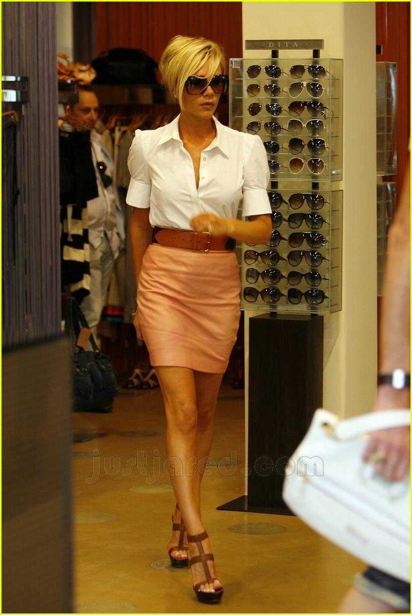 Full Sized Photo of victoria beckham pink leather skirt 14 ... Victoria Beckham