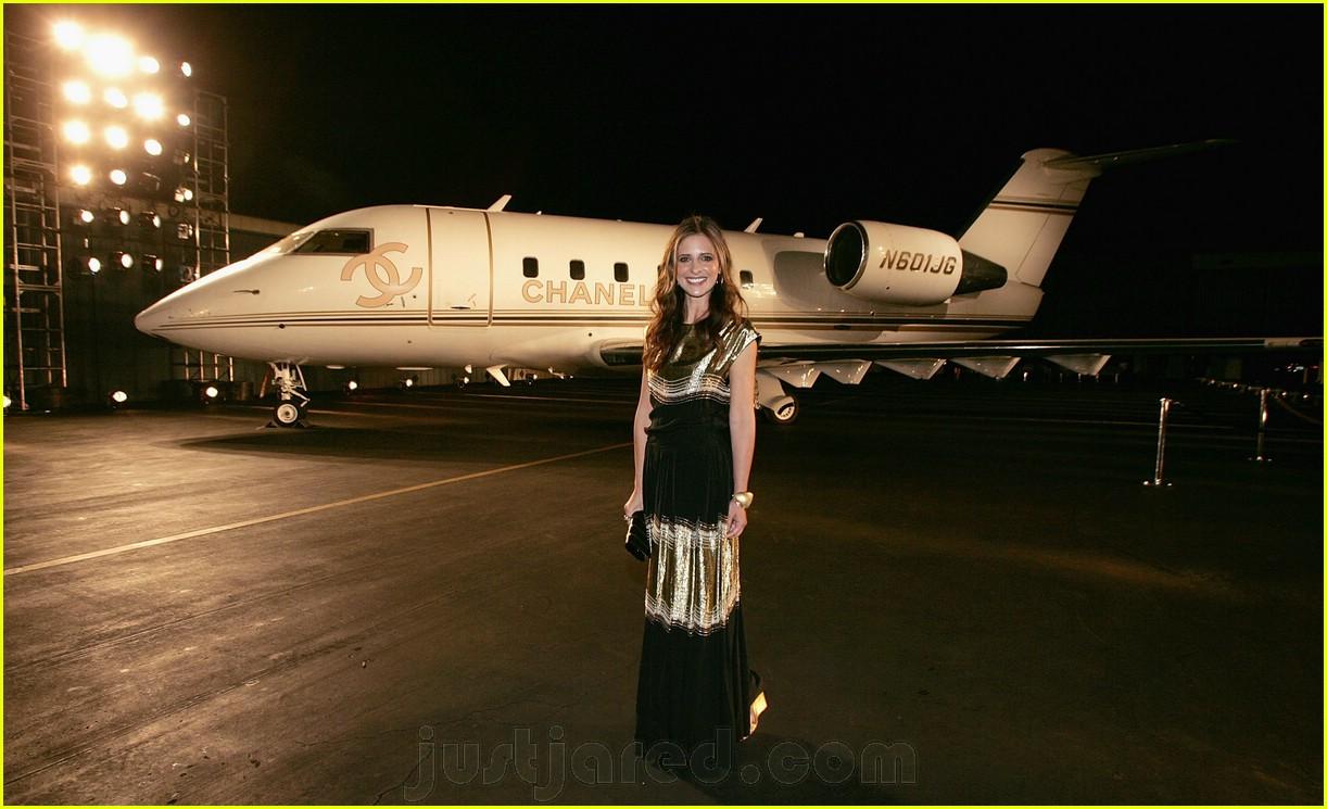 sarah michelle gellar chanel cruise show 01174591