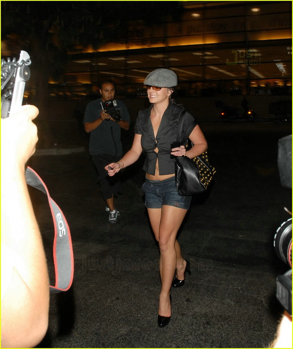 Britney Almost Loosens Up Her Buttons: Photo 460451