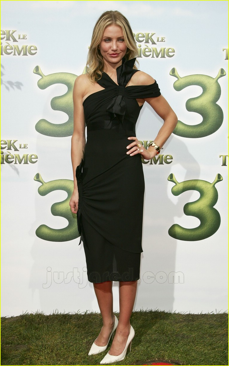 Fashion Faceoff: Chanel Dress: Photo 426081 | Cameron Diaz ...