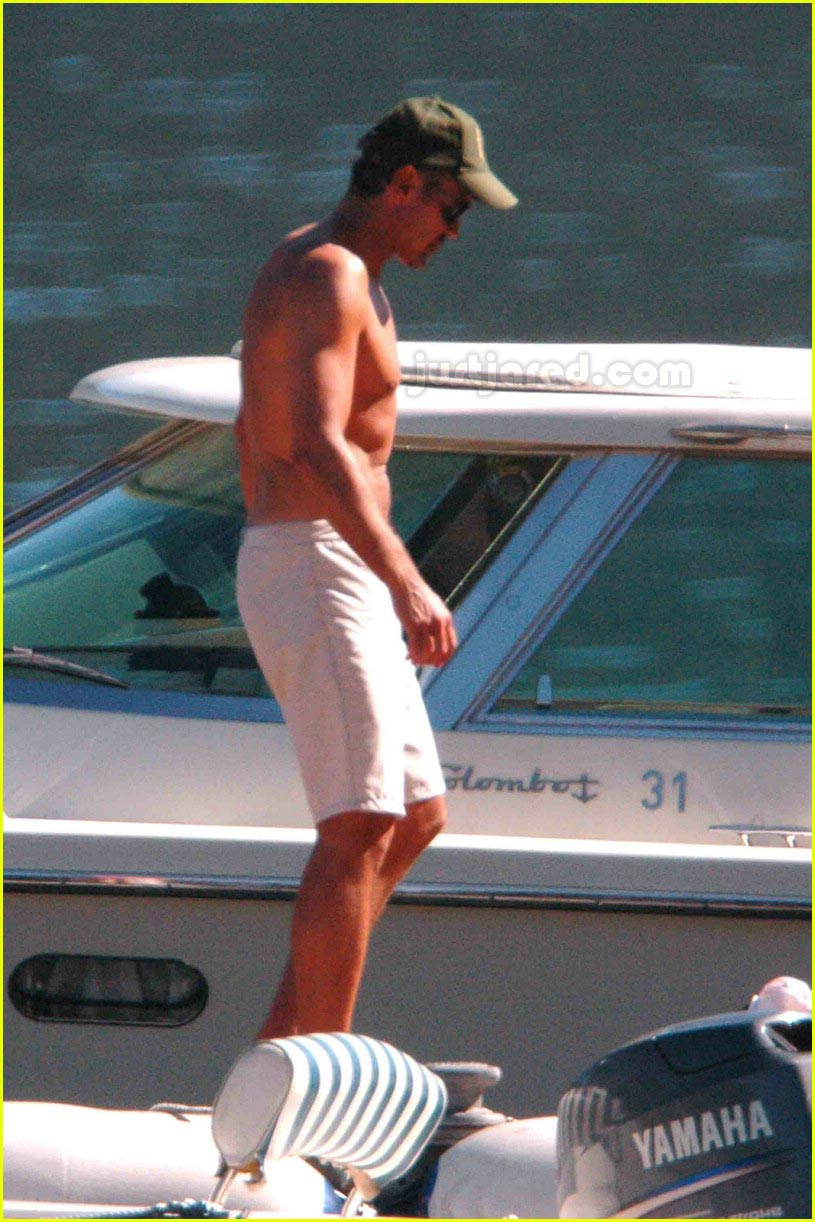 george clooney shirtless 02