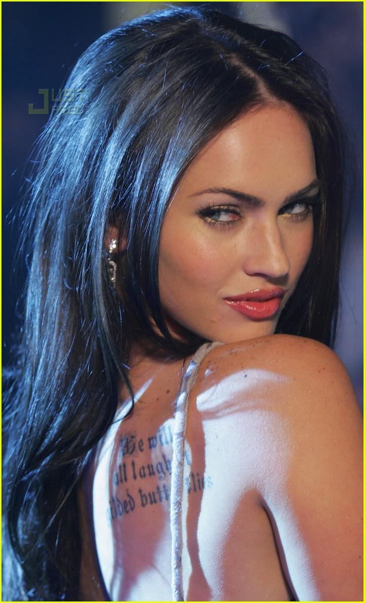 Megan Fox Has a Tattoo...