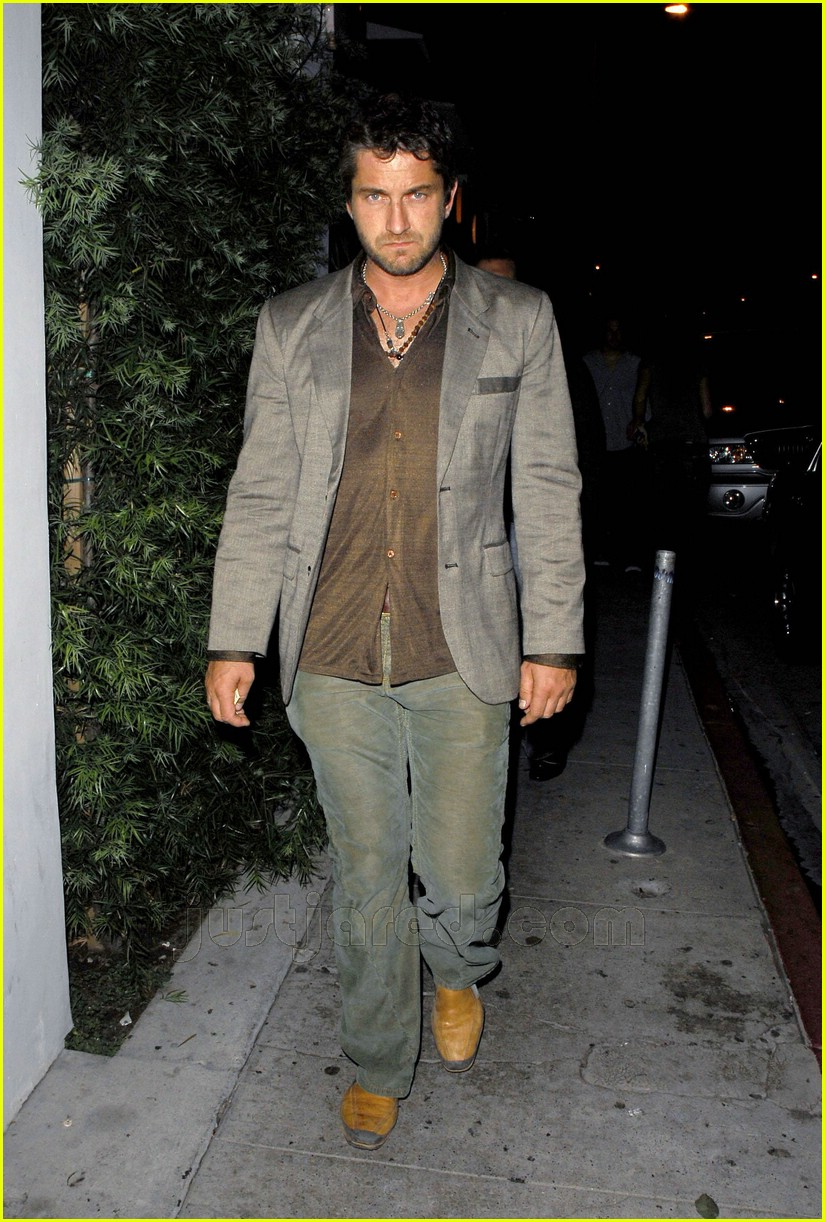 gerard butler area nightclub 02411721