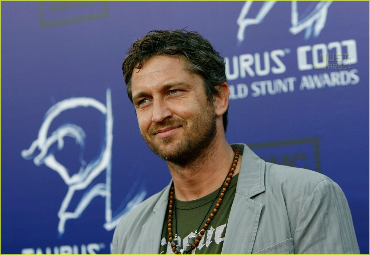 gerard butler world stunt awards 02411761
