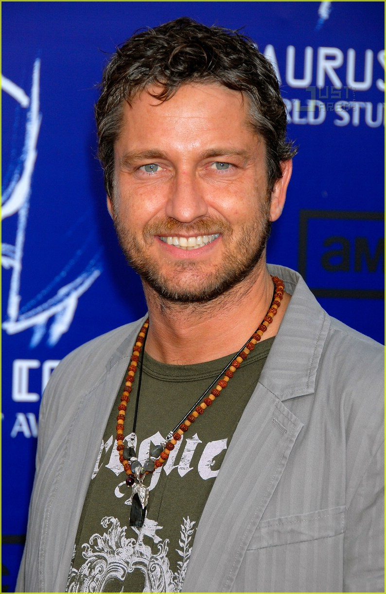 gerard butler world stunt awards 04411781
