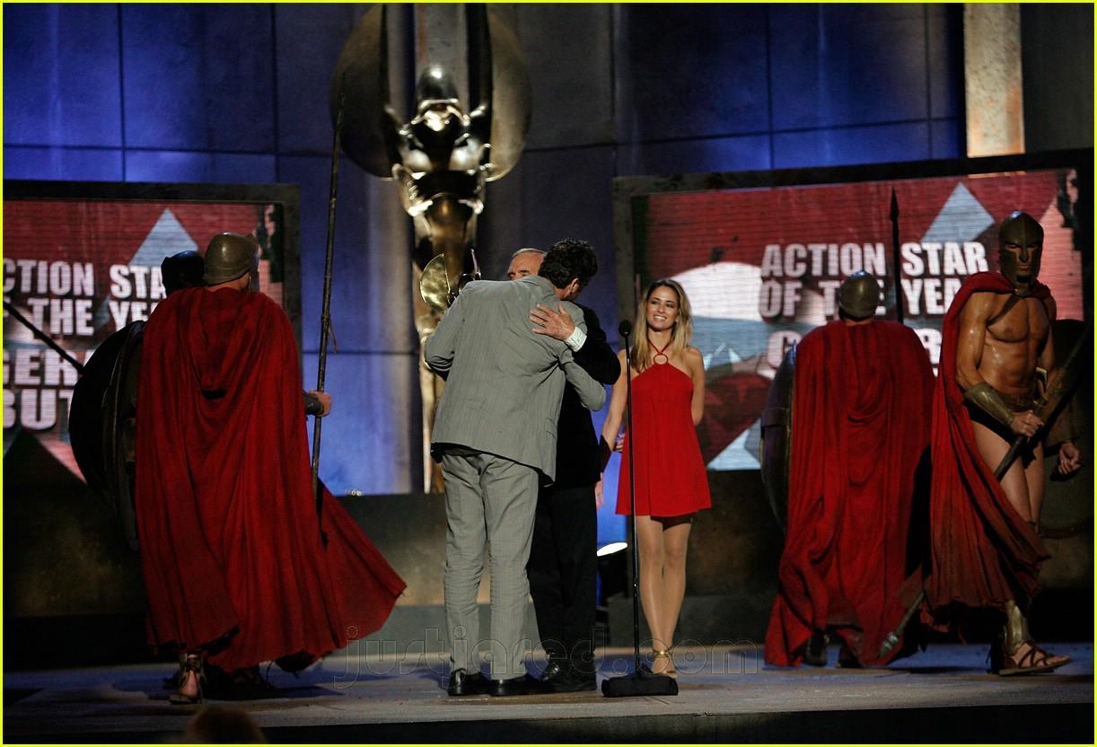 gerard butler world stunt awards 09411831