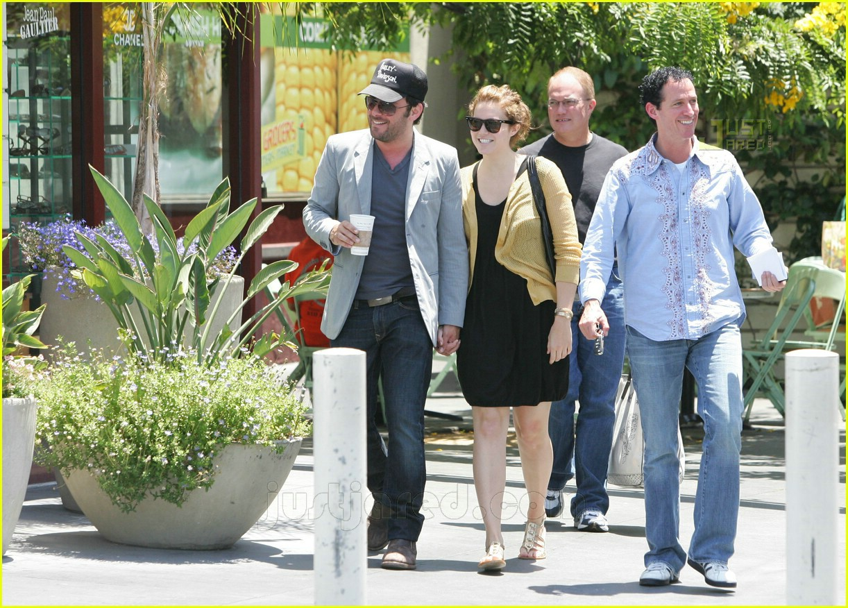 greg laswell mandy moore holding hands 01462621