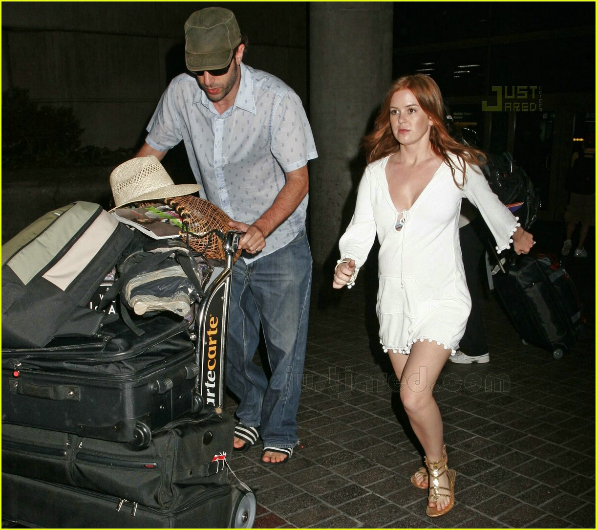 isla fisher pregnant 02