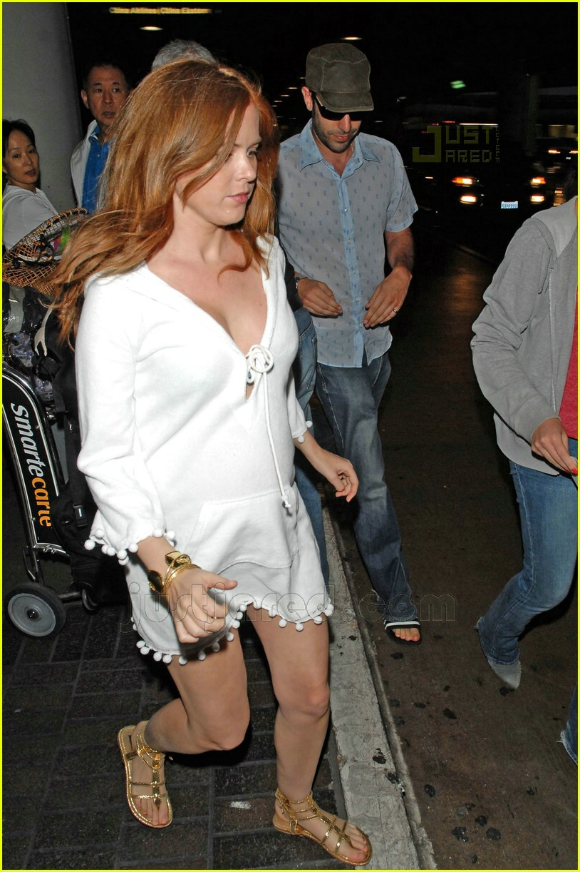 isla fisher pregnant 05408621