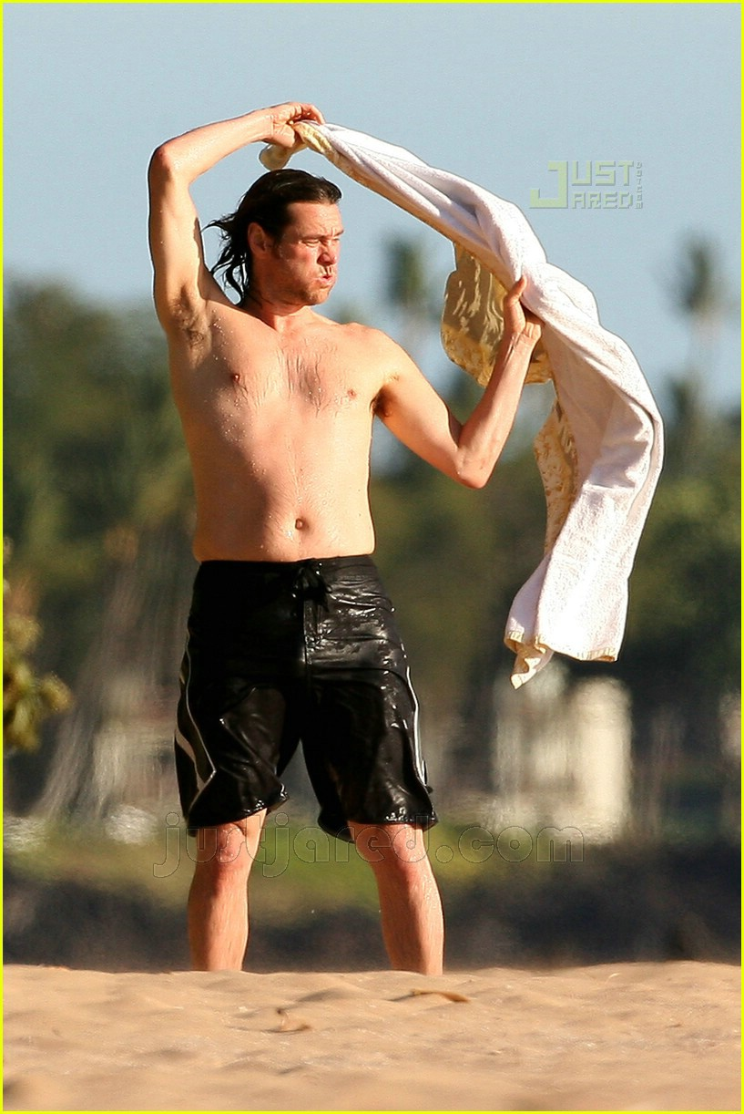 jim carrey shirtless 01