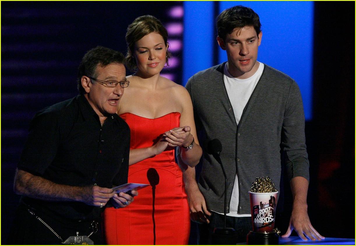 john krasinski mtv movie awards 2007 61413821