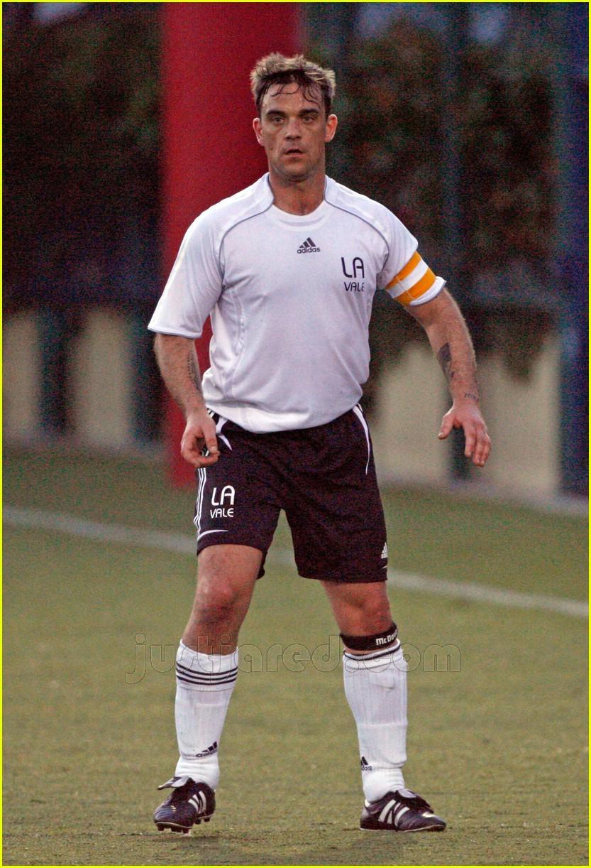 robbie williams sweaty soccer 09427821