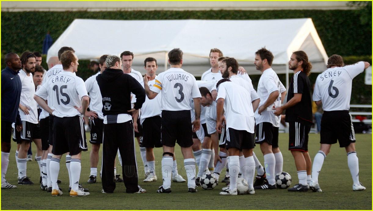 robbie williams sweaty soccer 15427881