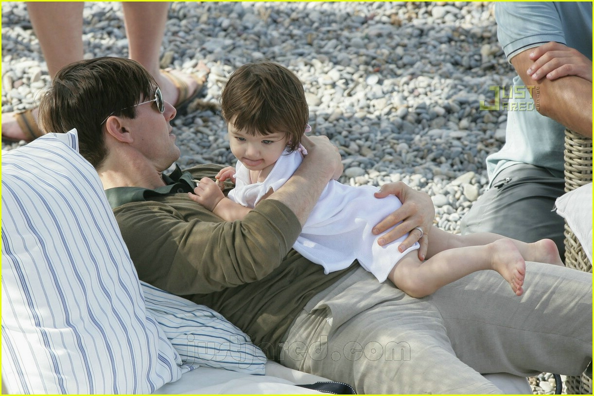 03 tom playing with suri