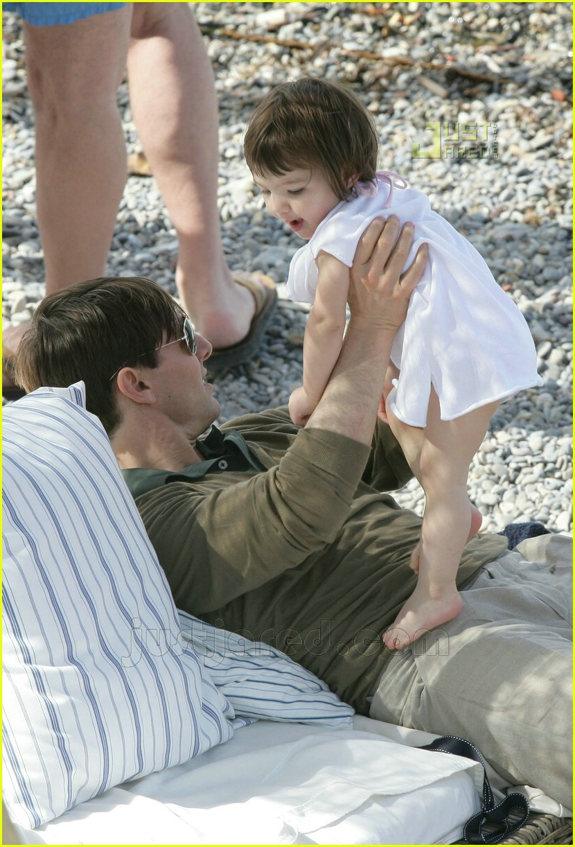 04 tom playing with suri