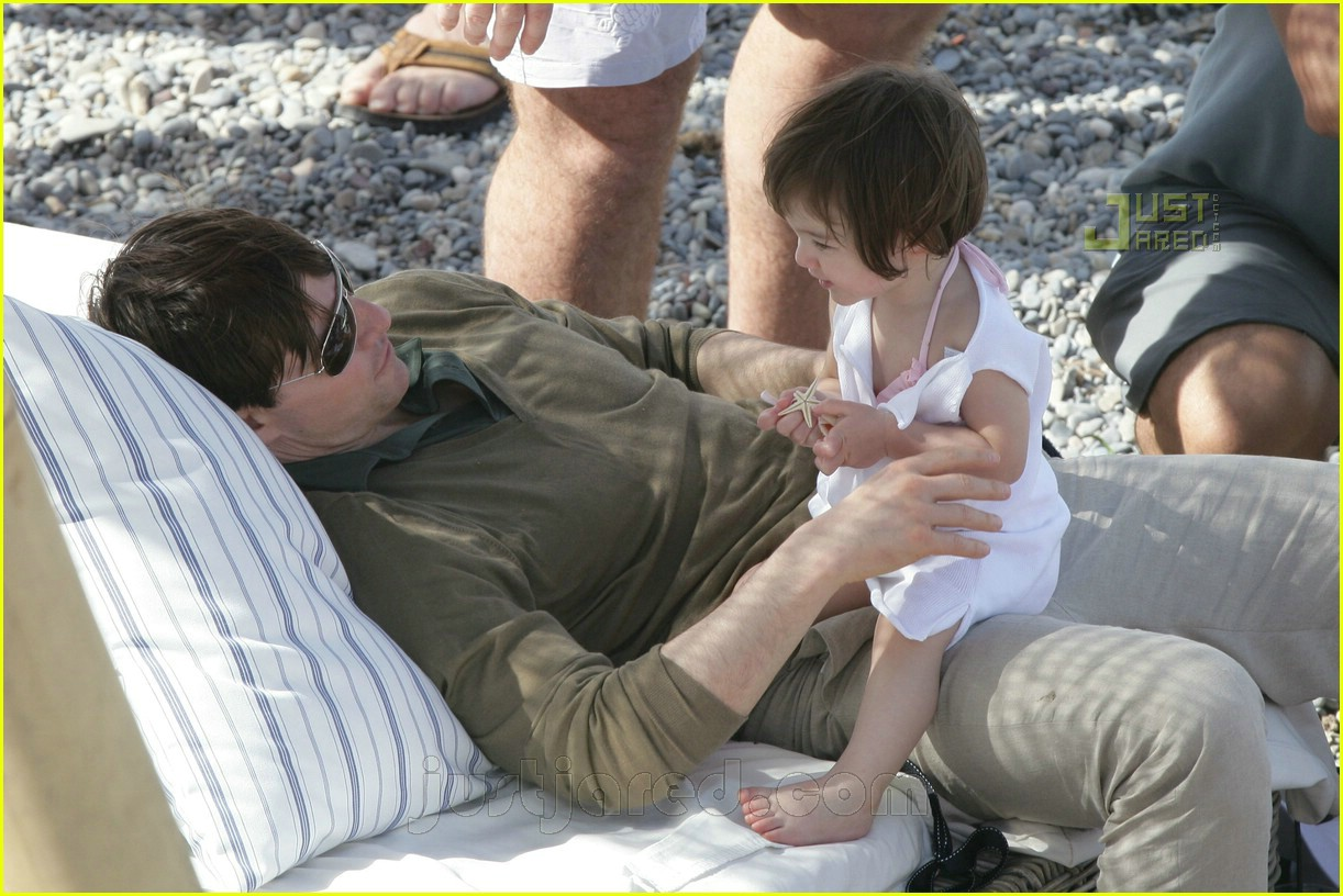 06 tom playing with suri
