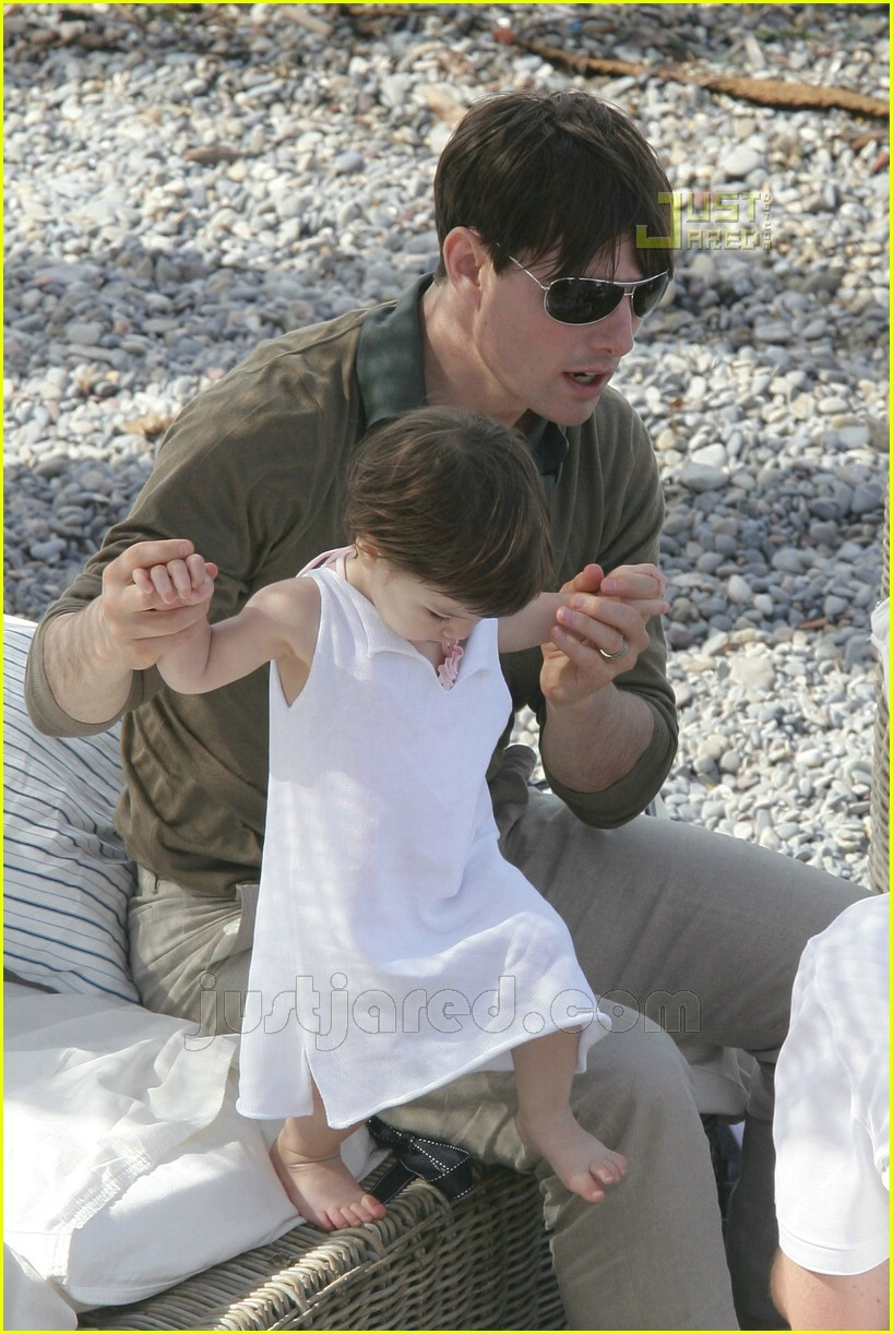 10 tom playing with suri