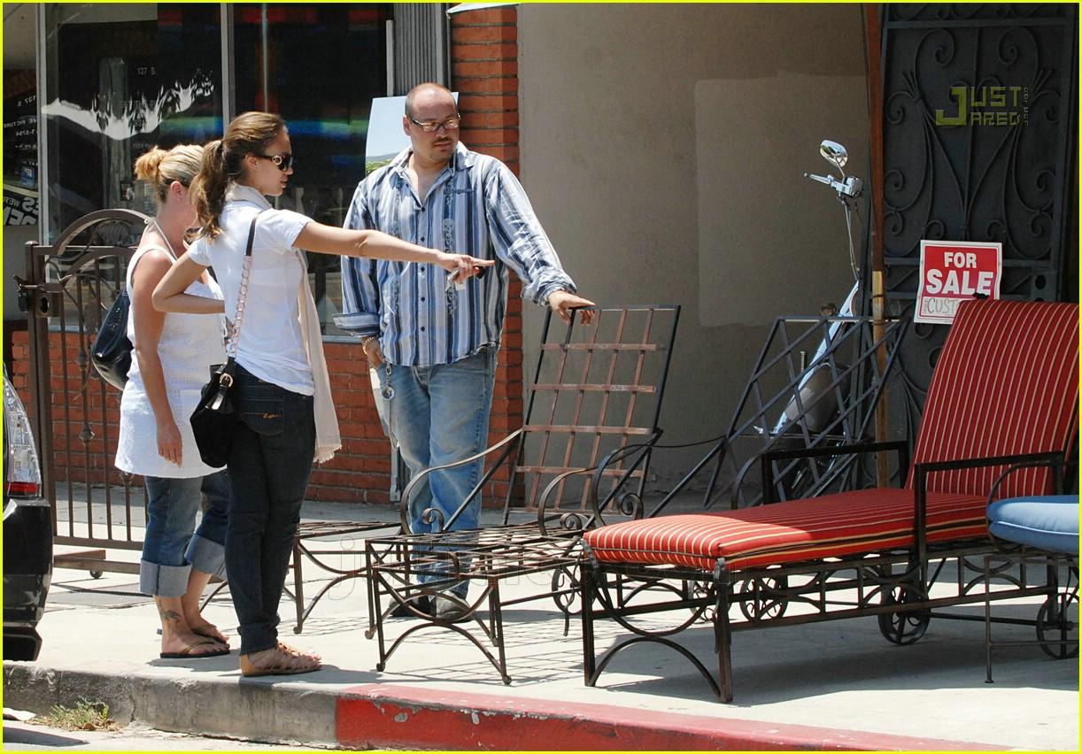 Jessica Albau0027s Furniture Store Stop