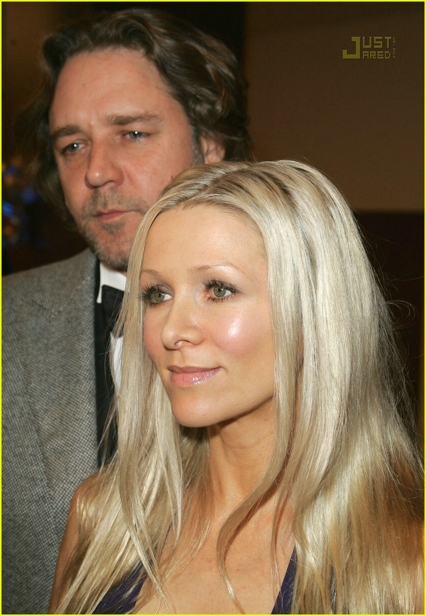 russell crowe music for children ball 02493561