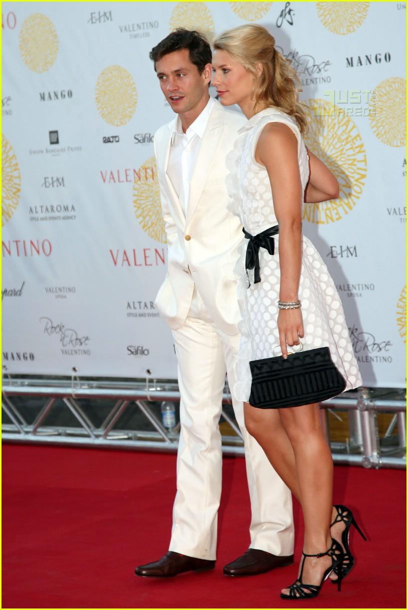 claire danes hugh dancy valentino 02 Claire Danes