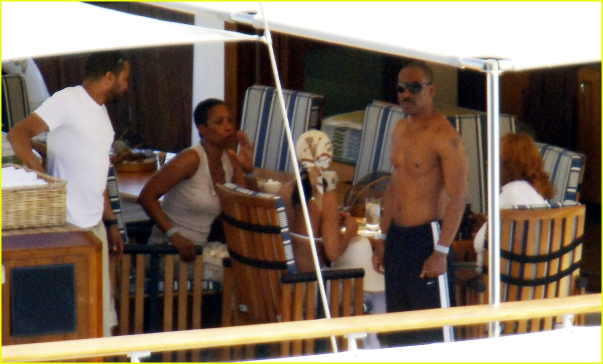 eddie murphy shirtless 05