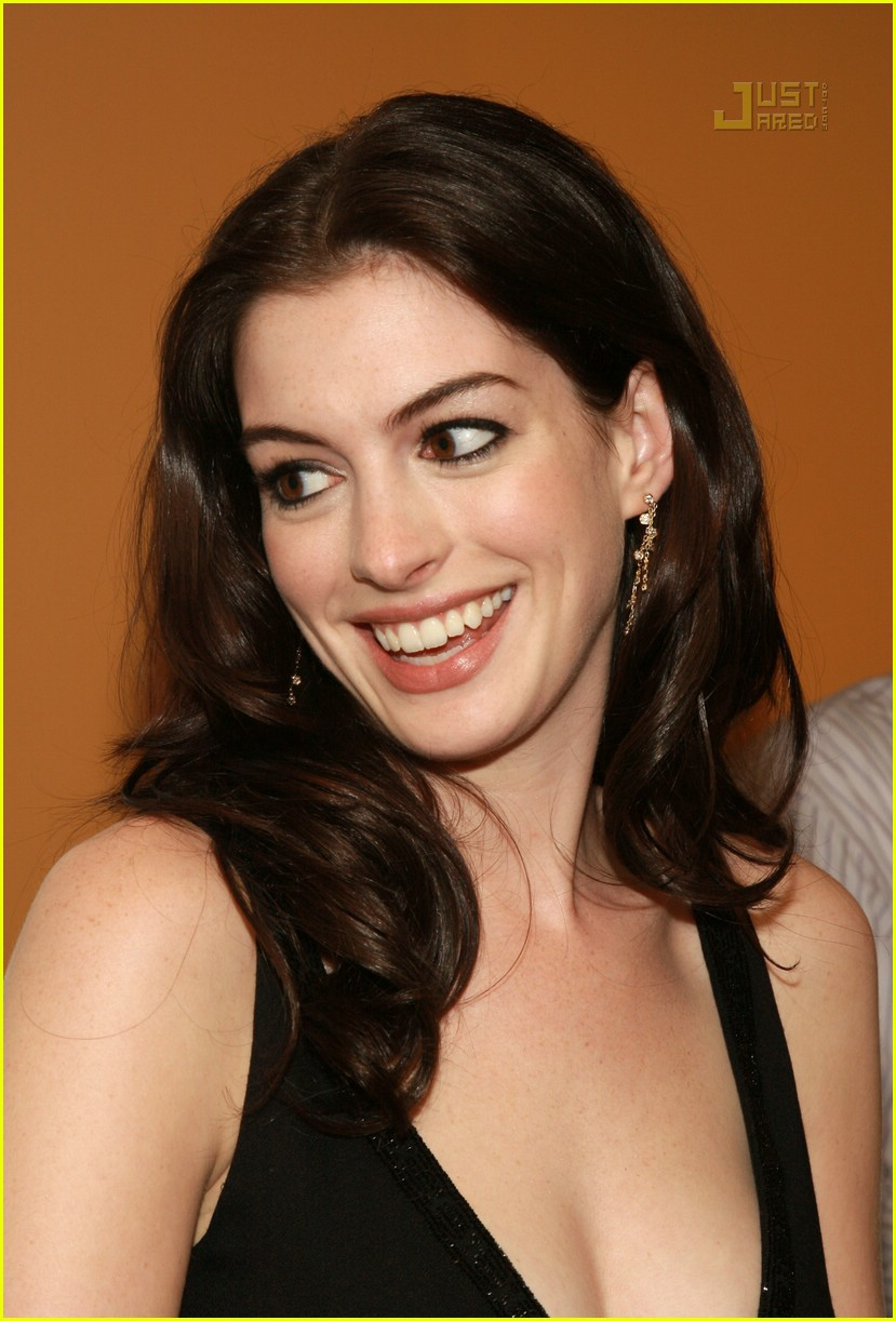 anne hathaway becoming jane premiere 27