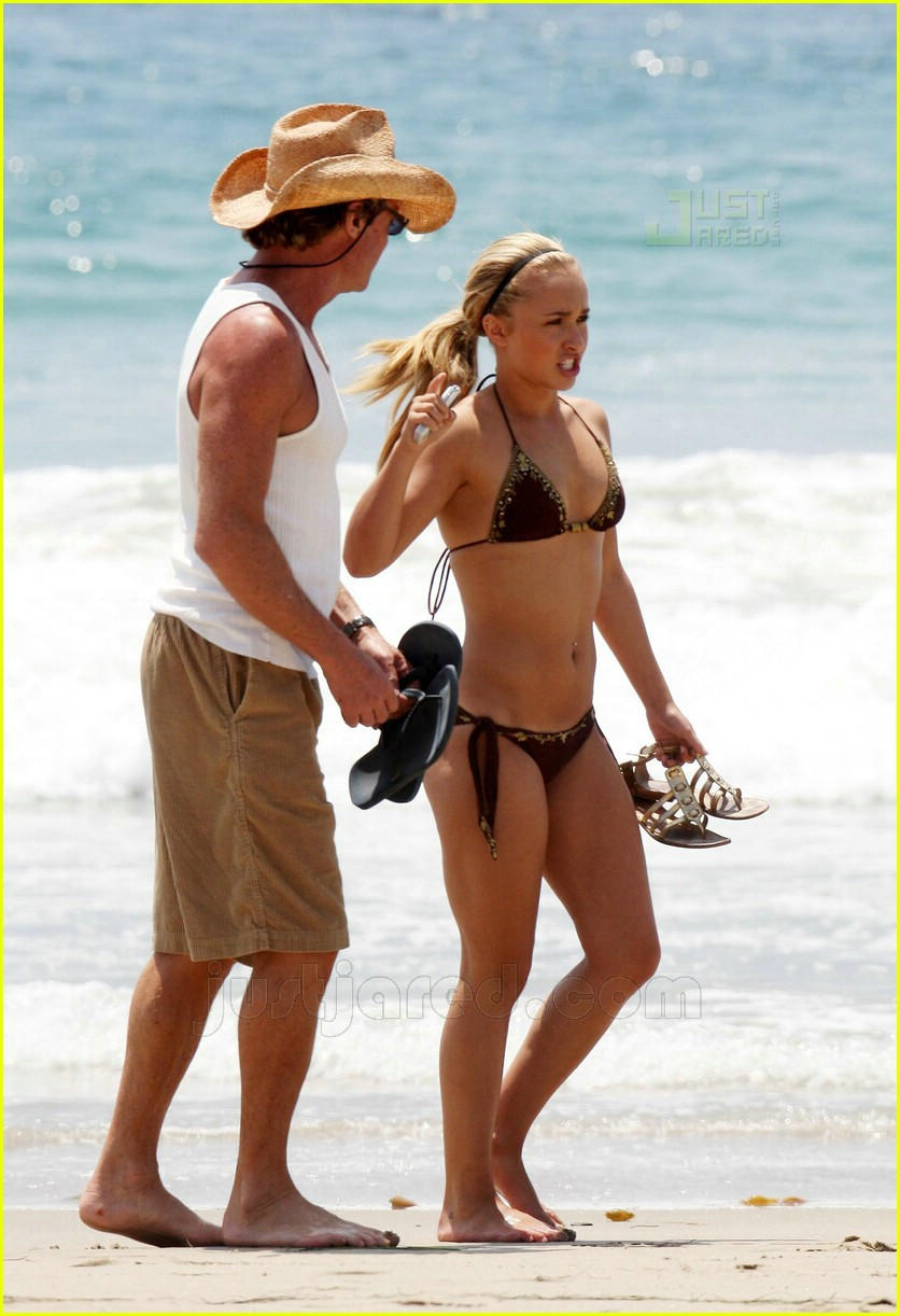 hayden panettiere bikini babe 09