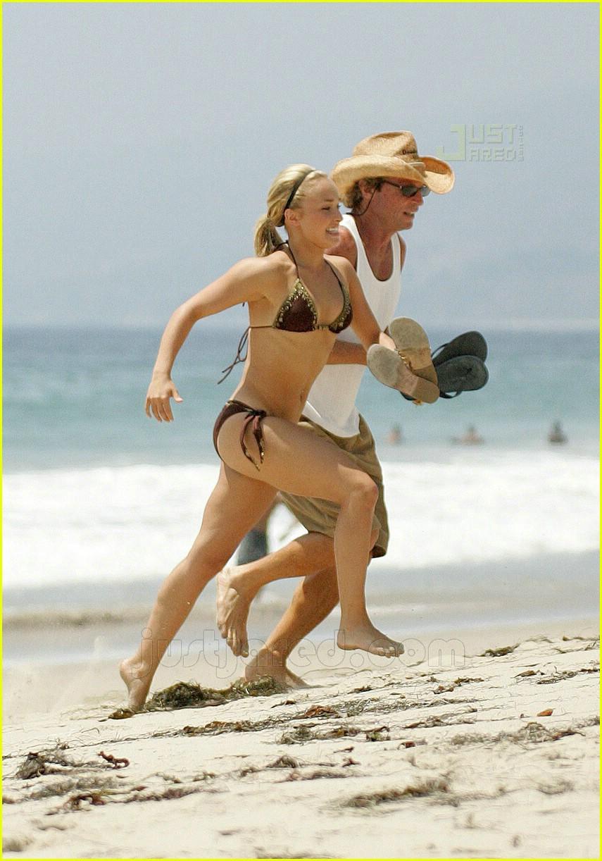 hayden panettiere bikini babe 20514141