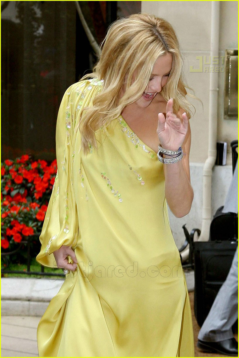 kate hudson christian dior resort 2008 03