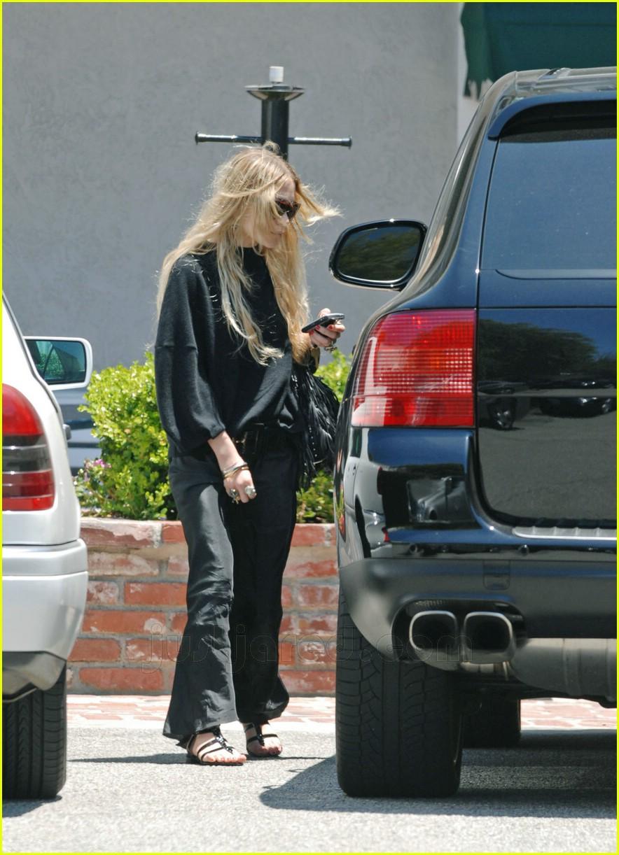 Mary Kate Olsens Thong Slip